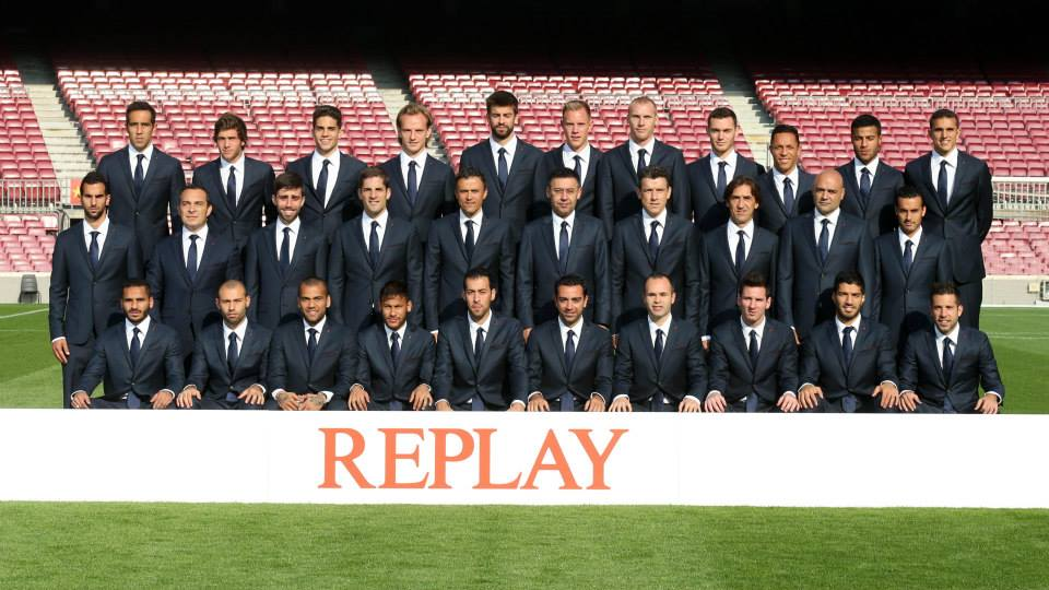 Replay presents to FC Barcelona players its formal and smart casual line