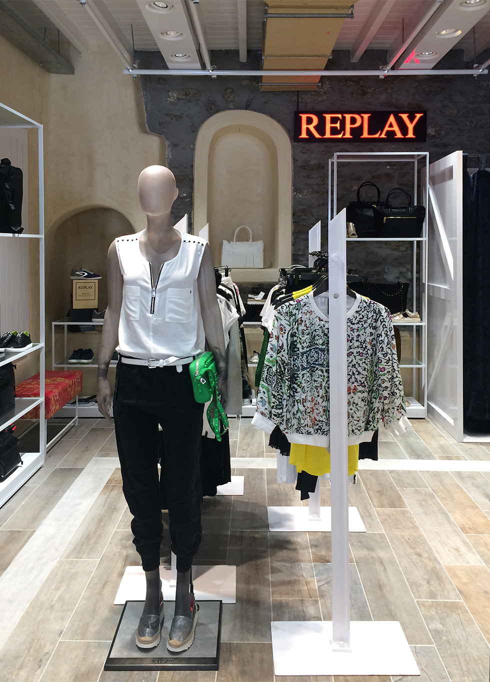 OK_Replay Store_1012