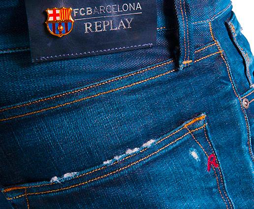 Η Barcelona φοράει Replay