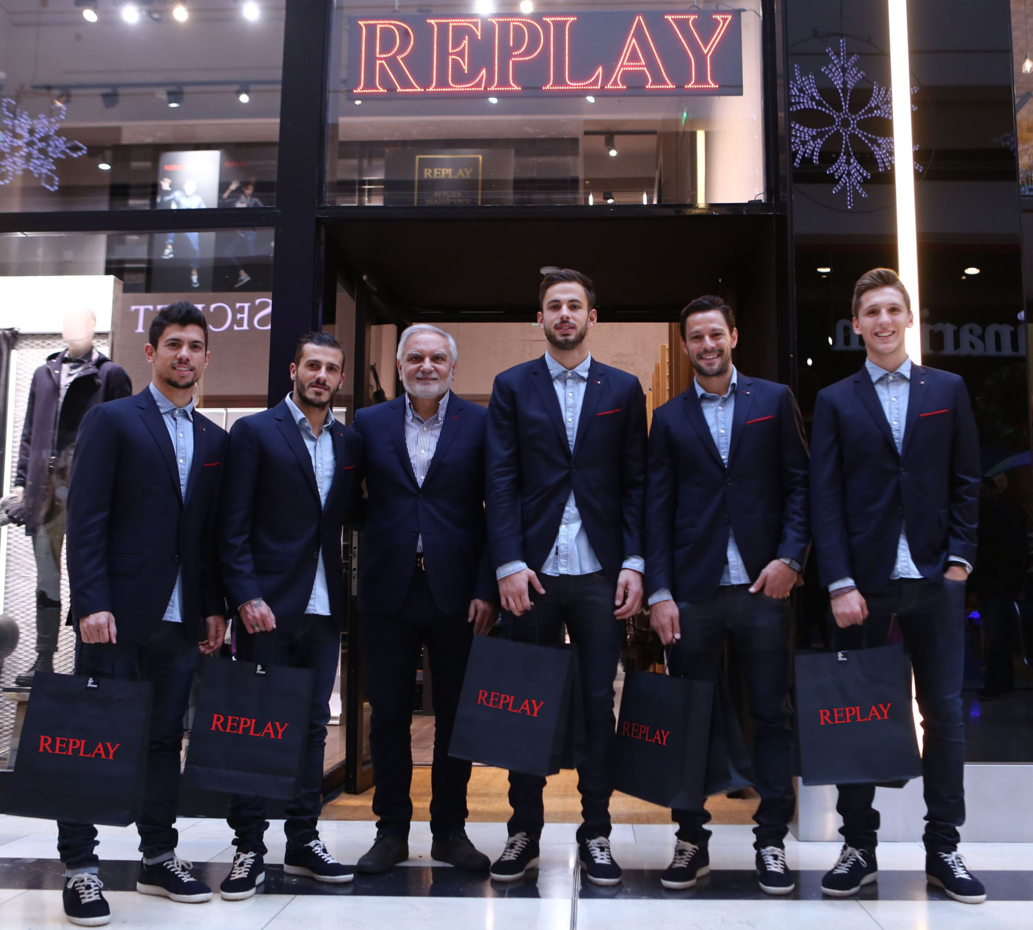 OLYMPIACOS FC team visit @ REPLAY STORE @ GOLDEN HALL
